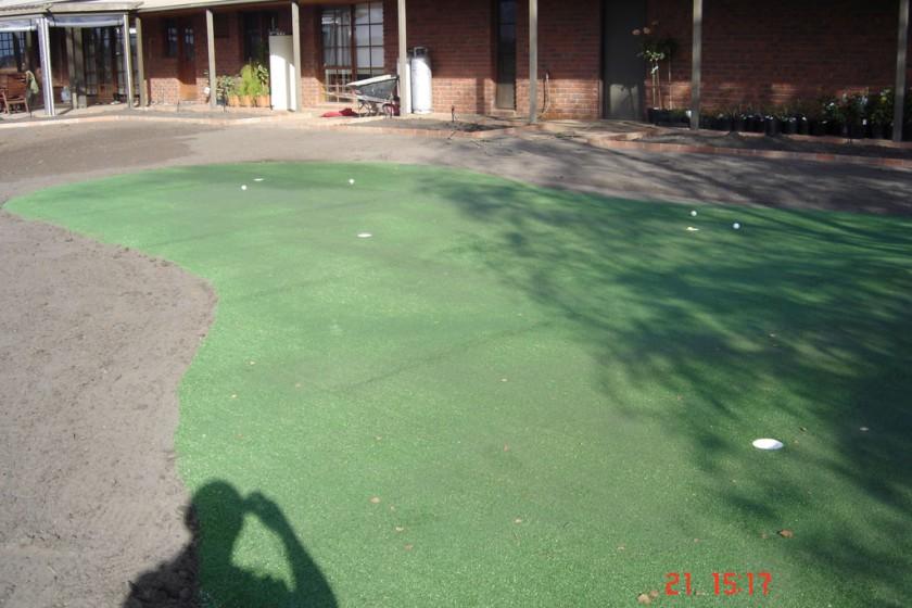 Drouin – Backyard Putting Green